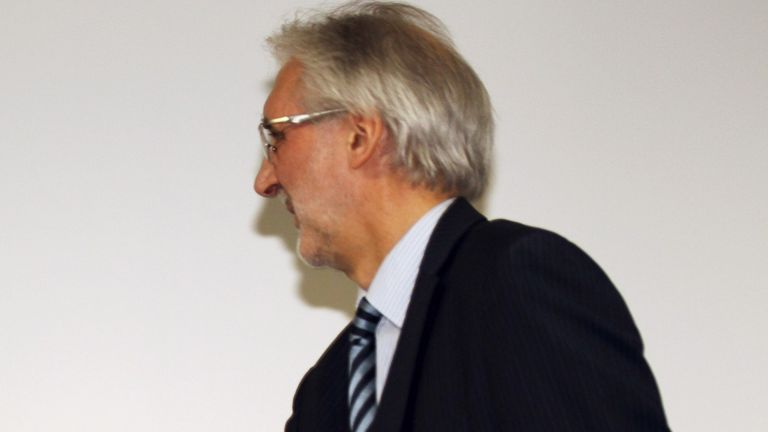 Brian Cookson announces UCI candidacy with vow to 'restore cycling's credibility'