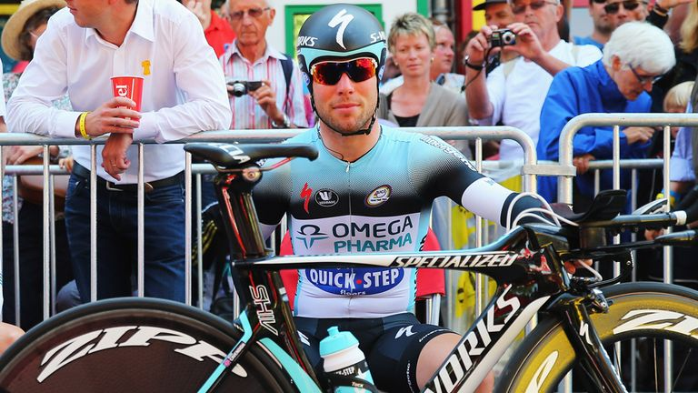 Mark Cavendish received abuse from the crowd during stage 11
