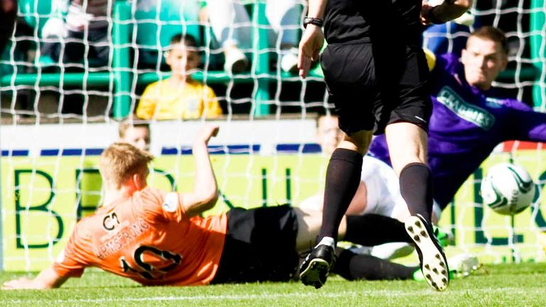 Stuart Armstrong: Gives Dundee United the lead against Hibernian