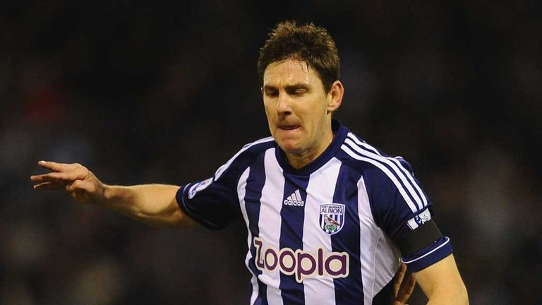 Zoltan Gera: Hungarian midfielder signs new one-year contract with West Brom