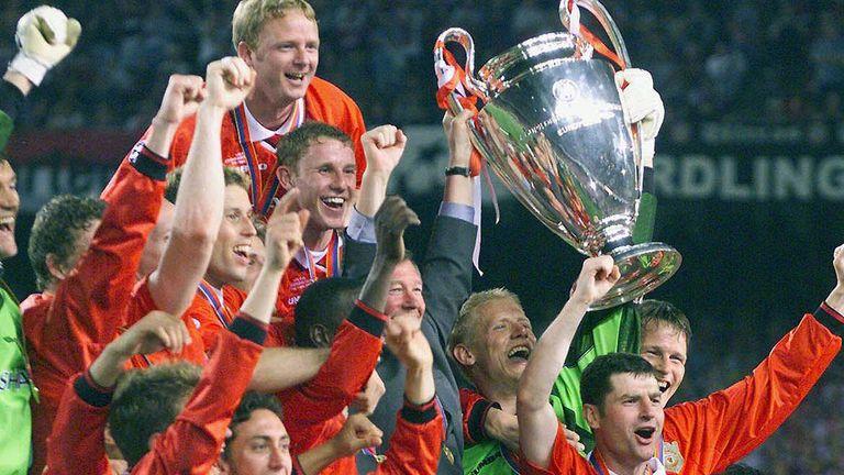 Manchester United scored twice in stoppage time to beat Bayern Munich