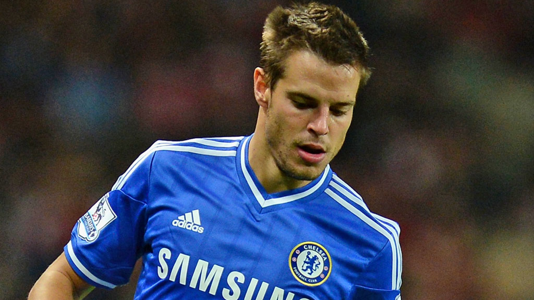 Cesar Azpilicueta hoping to keep Ashley Cole out of Chelsea team