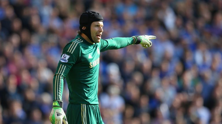 NORWICH, ENGLAND - OCTOBER 06:  Petr Cech of Chelsea gestures during the Barclays Premier League match between Norwich City and Chelsea at Carrow Road on October 6, 2013 in Norwich, England.  (Photo by Julian Finney/Getty Images)