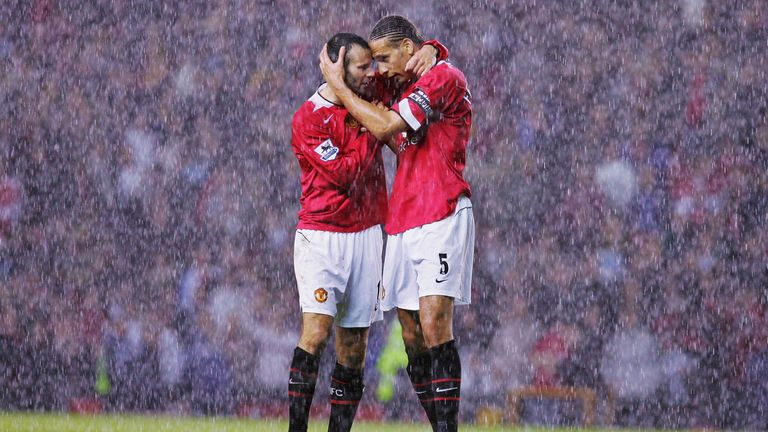 MANCHESTER, ENGLAND - OCTOBER 24: Rio Ferdinand and Ryan Giggs of Manchester United celebrate at final whistle during the Barclays Premiership match between Manchester United and Arsenal at Old Trafford on October 24, 2004 in Manchester, England. (Photo by Chris Coleman/Manchester United via Getty Images) *** Local Caption *** Rio Ferdinand;Ryan Giggs