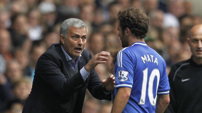 Jose Mourinho (l): Would like to keep Juan Mata (r)