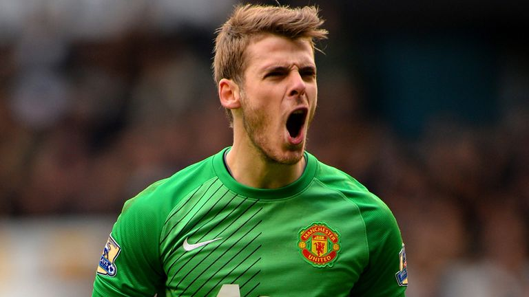 LONDON, ENGLAND - DECEMBER 01:  David De Gea of Manchester United celebrates after Wayne Rooney of Manchester United (not pictured) equalises to make it 1-