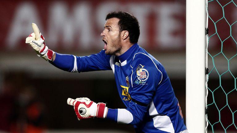 Elche's goalkeeper Manu Herrera reacts during the Spanish league football match Elche CF vs Athletic Club Bilbao