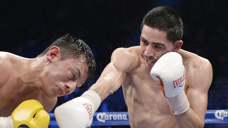 Leo Santa Cruz: Puts the heat on Cristian Mijares