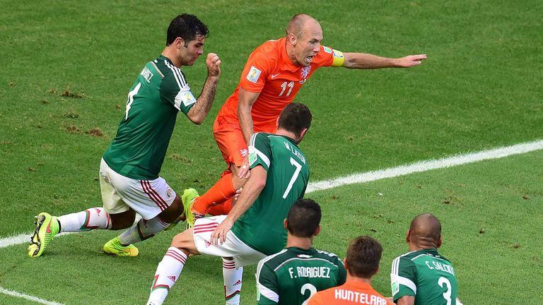 Arjen Robben wins penalty off Rafael Marquez, Holland v Mexico, World Cup last 16