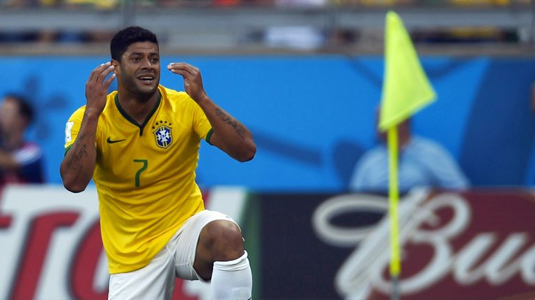 Brazil's forward Hulk reacts during the round of 16 football match between Brazil and Chile