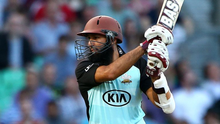 Hashim Amla's 75 for Surrey was in vain as they suffered yet another defeat