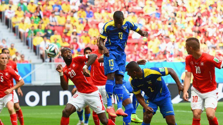 Enner Valencia puts Ecuador ahead agaisnt Switzerland at the World Cup
