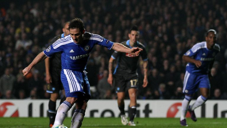 LONDON, ENGLAND - MARCH 14:  Frank Lampard of Chelsea scores his team's third goal from the penalty spot during the UEFA Champions League round of 16 secon