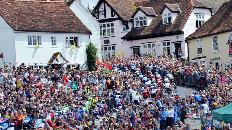Like in Yorkshire, huge crowds greeted the riders on stage three from Cambridge to London