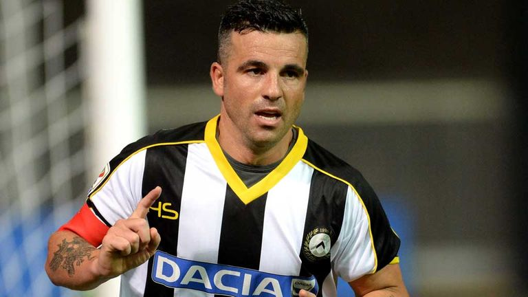 UDINE, ITALY - AUGUST 31:  Antonio Di Natale of Udinese celebrates after scoring his opening goal during the Serie A match between Udinese Calcio and Empol