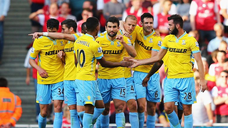 LONDON, ENGLAND - AUGUST 16: Crystal Palace players celebrate the goal scored by Brede Hangeland (3rdR) of Crystal Palace during the Barclays Premier Leagu