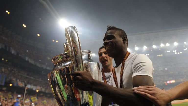 But the season ended in glory for Inter and Balotelli. The Italian played eight times in Inter's successful CL run in 2009/10, helping lift the trophy.