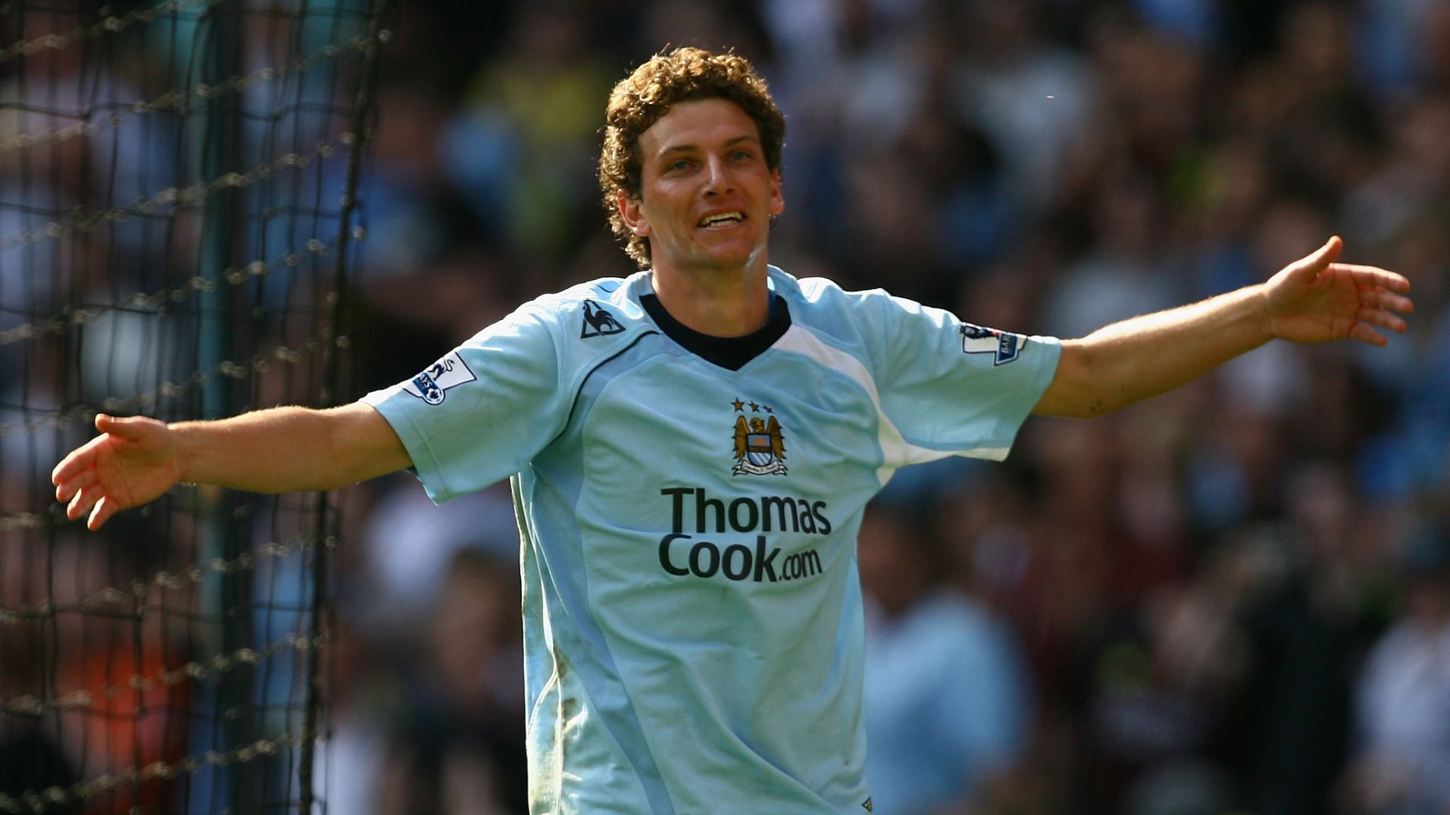 Premier League: Former Manchester City star Elano open to