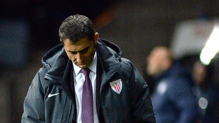 Athletic Bilbao coach Ernesto Valverde reacts after a UEFA Champions League group H football match at Bate Borisov