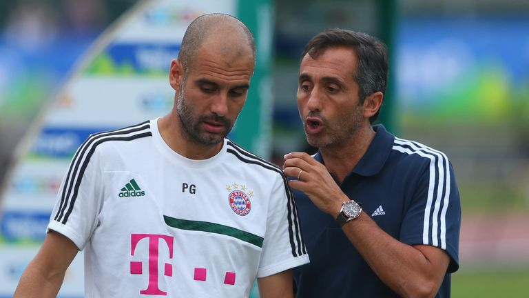 Guardiola: With his personal assistant Manel Estiarte