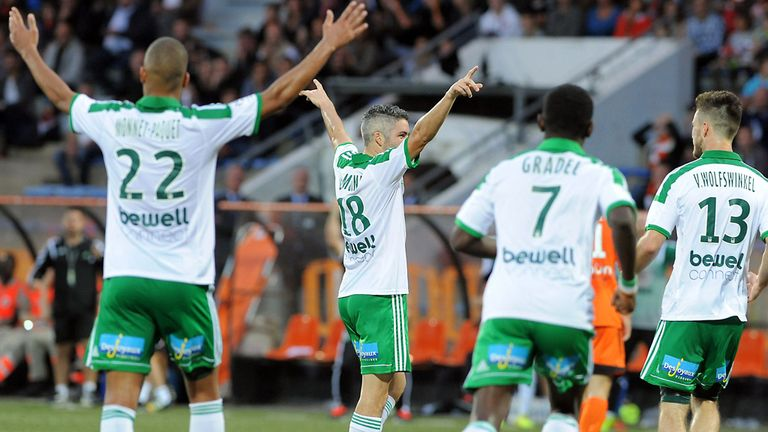 Saint-Etienne's French midfielder Fabien Lemoine (C) celebrates