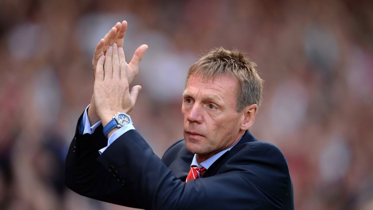 NOTTINGHAM, ENGLAND - AUGUST 09:  Stuart Pearce, Manager of Nottingham Forest applauds the fans during the Sky Bet Championship match between Nottingham Fo