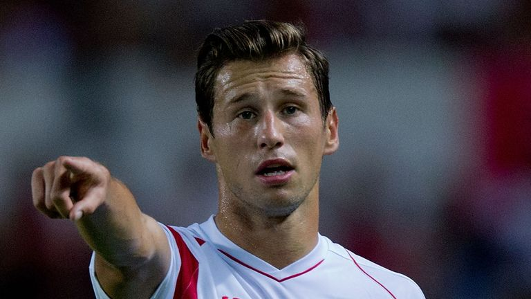 Grzegorz Krychowiak of Sevilla FC protests to the referee during the UEFA Europa League group G match between Sevilla and Feyenoord.