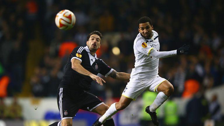 Volkov and Lennon: Battling for the ball