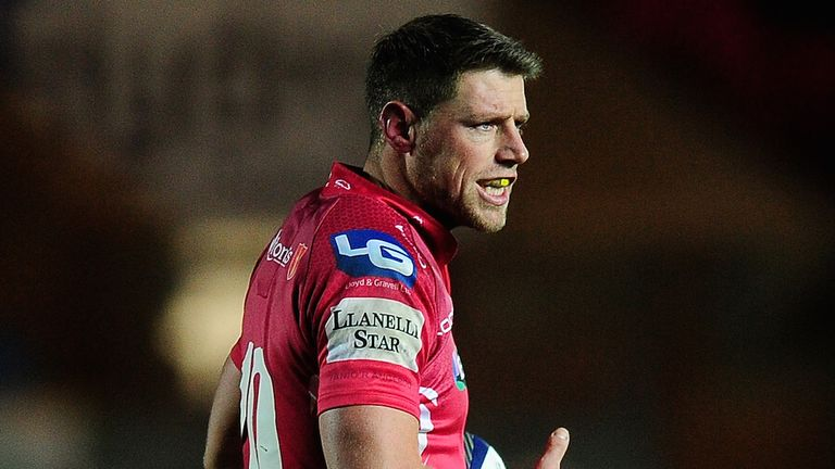 Rhys Priestland: Joining Bath at end of the season