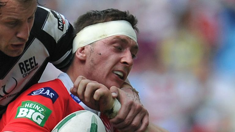 Andrew Dixon: Forward has moved to Leigh