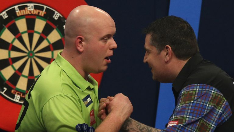 Van Gerwen recovered from 3-1 behind to defeat Anderson at the 2014 World Championship