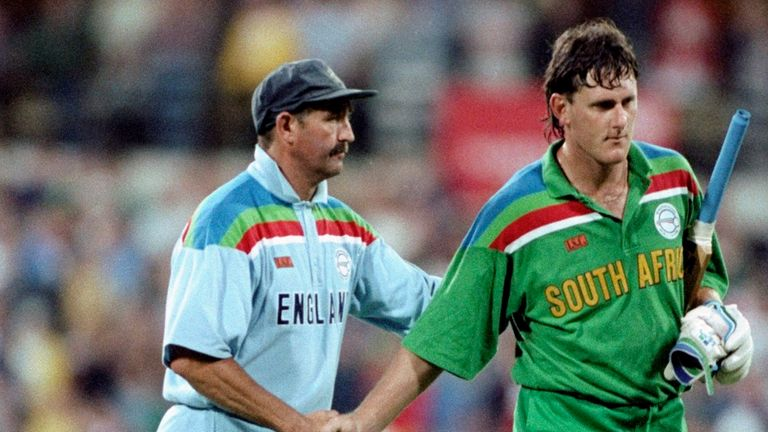 Graham Gooch sympathises with Brian McMillan after their controversial semi-final win
