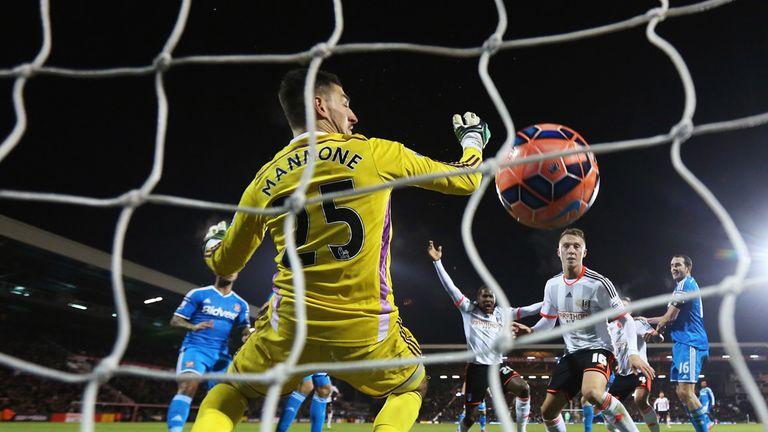 Hugo Rodallega scores for Fulham