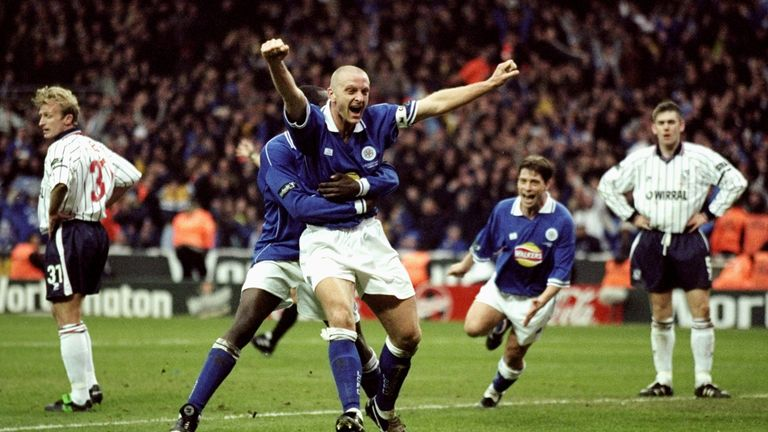 Elliott's second goal proved the difference at Wembley