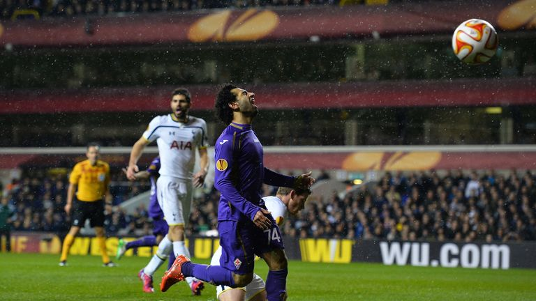 Fiorentina's Egyptian forward Mohamed Salah (C) reacts as he misses a chance during the UEFA Europa League