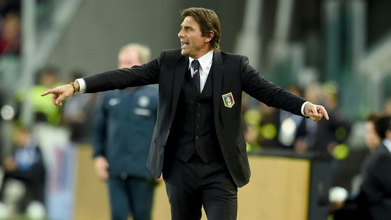 Head coach Italy Antonio Conte reacts during the international friendly match between Italy and England