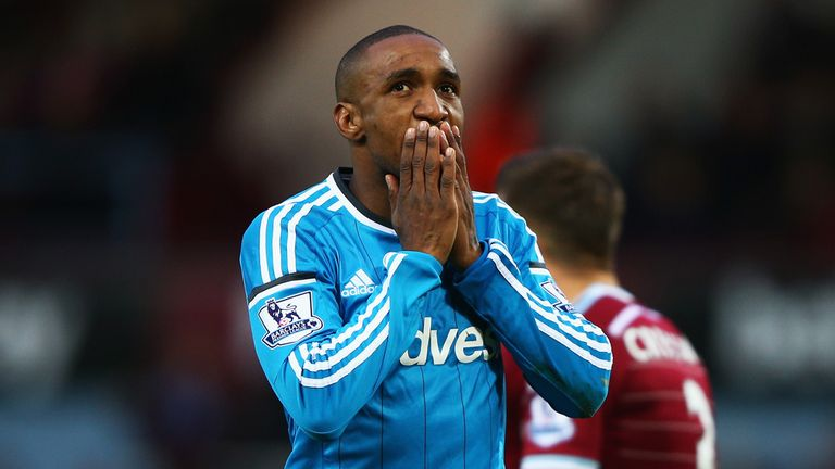 Jermain Defoe of Sunderland reacts after missing a chance against West Ham