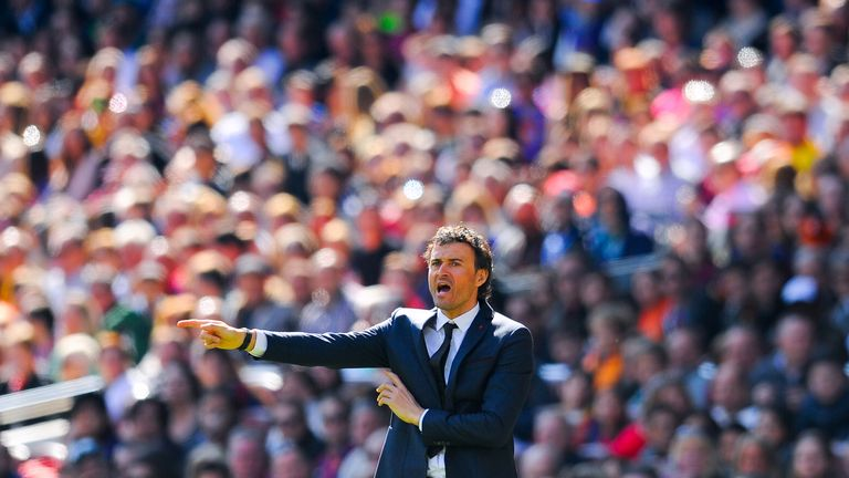 Barcelona go into El Clasico leading La Liga