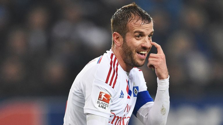 Rafael van der Vaart in action for Hamburg