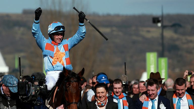 Ruby Walsh celebrates his victory on Un De Sceaux in the Racing Post Arkle Challenge Trophy Chase at the Cheltenham Festival