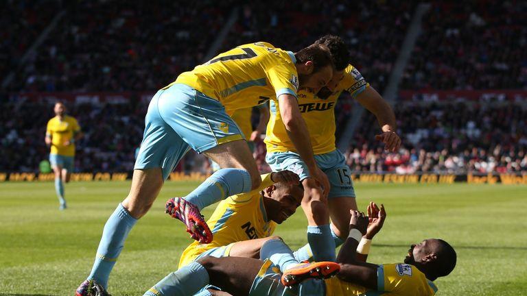 Crystal Palace celebrate after scoring four against Sunderland