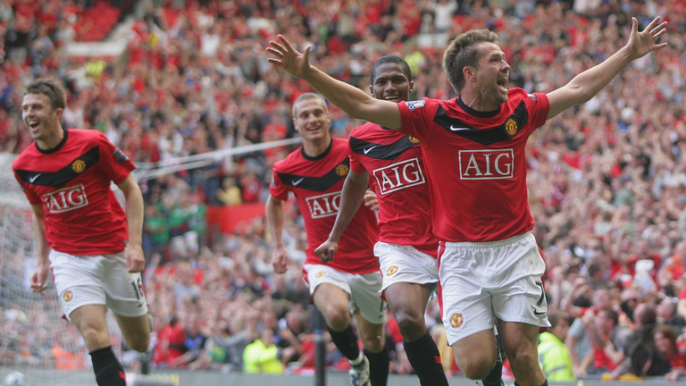 Michael Owen celebrates his winning goal for Manchester United against Manchester City in their 4-3 win at Old Trafford in 2009