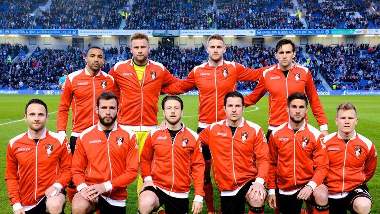 Only 10 men in team photo against Brighton