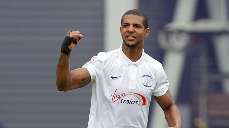 Jermaine Beckford has joined Sky bet League One side Bury on a free transfer