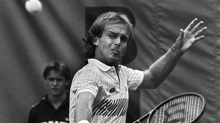 John Lloyd in action at the 1985 French Open