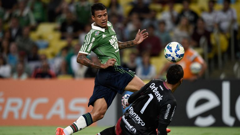 Kenedy started the first Serie A game of 2015 for Fluminense