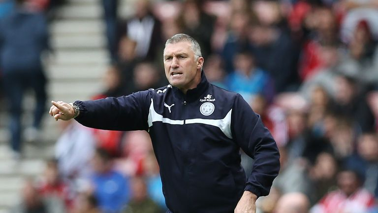 Leicester City manager Nigel Pearson gives his side instructions during their match against Sunderland.