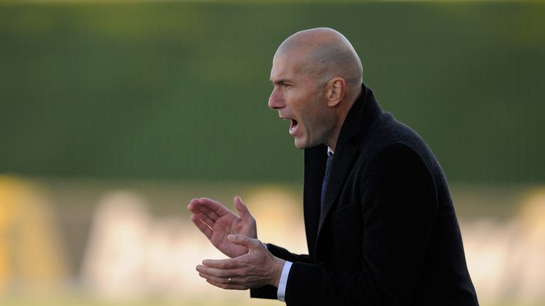MADRID, SPAIN - FEBRUARY 08:  Head coach Zinedine Zidane of Real Madrid Castilla looks on urges on his team during the Segunda Division B match between Rea