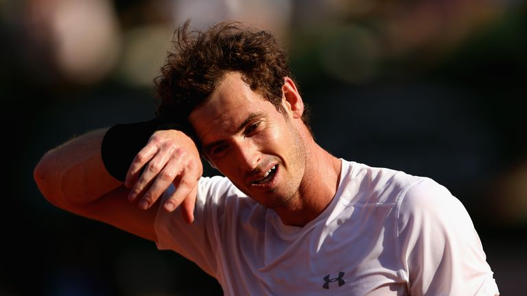 Andy Murray feels the heat in French Open semi-finals