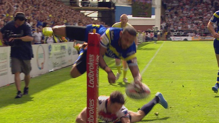 Kevin Penny scores a spectacular try for Warrington v Leigh